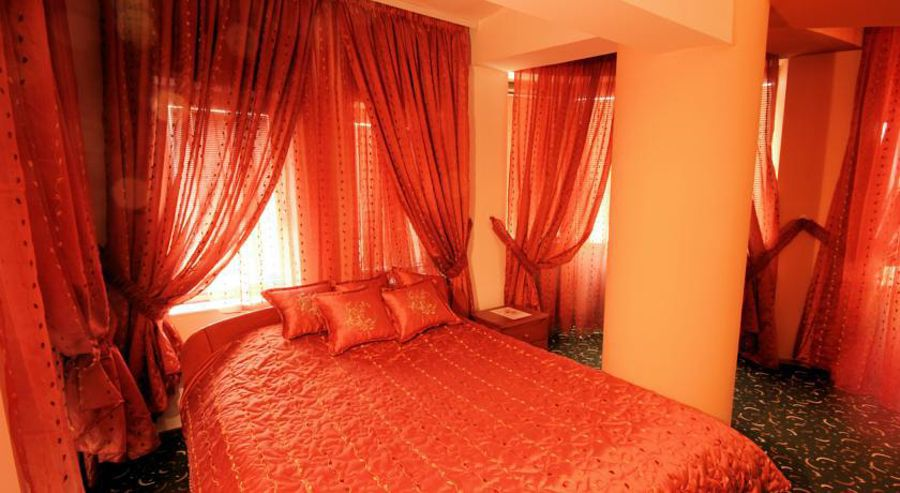 Hotel Kristal Palace